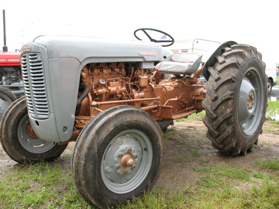 Ferguson FE35 Golden Grey | Vintage Tractor Engineer
