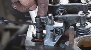 Setting valve clearances