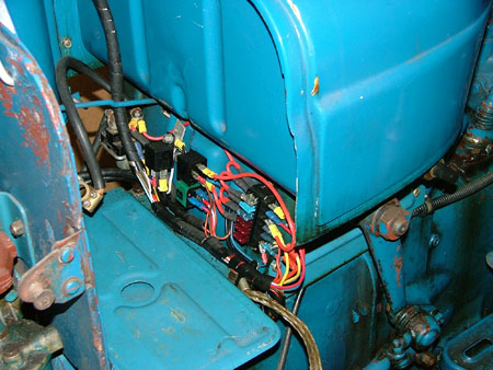 Vintage Tractor Engineer - Fordson Dexta Wiring – For Road Use on ferguson ignition switch wiring, ferguson to 20 wiring-diagram, ferguson tractor wiring diagram, ferguson to20 no spark,