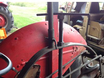 tractor hydraulic repair tool