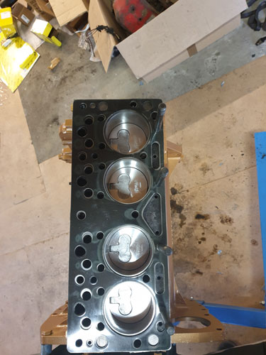 4 new pistons fitted to block
